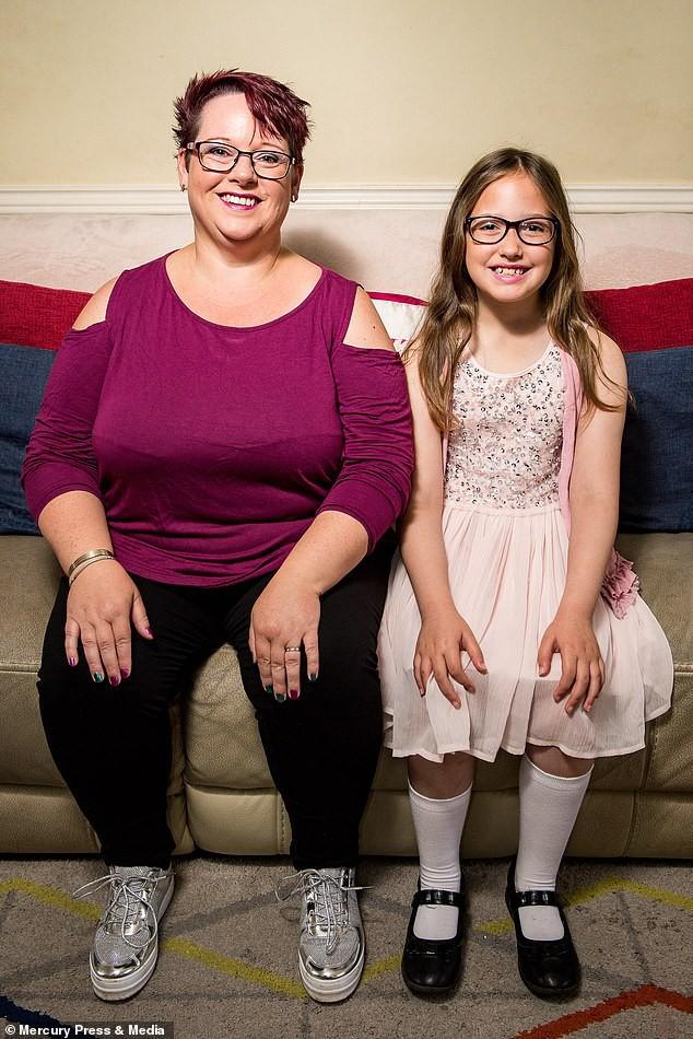 Bà mẹ cho con bú sữa mẹ đến tận năm 9 tuổi, người khuyến khích, kẻ cáo buộc đó là hành vi ấu dâm - Ảnh 5.