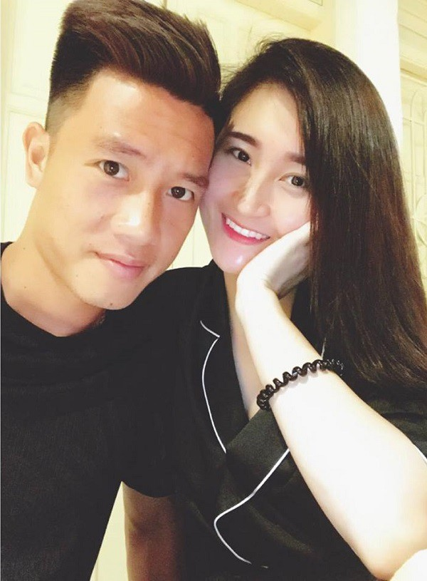 Lộ diện bạn gái cầu thủ Huy Hùng, người mở tỉ số cho Việt Nam hôm nay và câu chuyện tình 3 năm đẹp như - Ảnh 3.