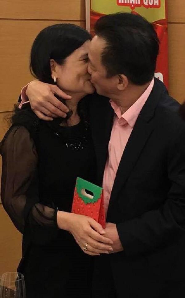 Không chỉ có vợ HLV Park Hang-seo đâu, 2 người phụ nữ này đã làm nên sự nghiệp bóng đá của chồng bằng tình yêu - Ảnh 3.