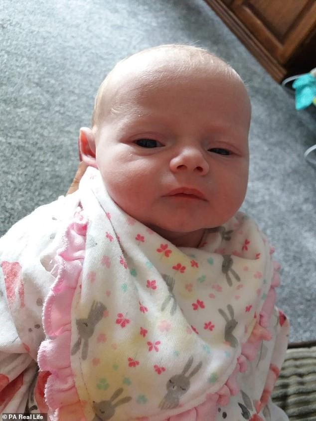 Lại thêm 1 bà mẹ đau đớn mất con mới 14 ngày tuổi vì nụ hôn của người lớn - Ảnh 4.