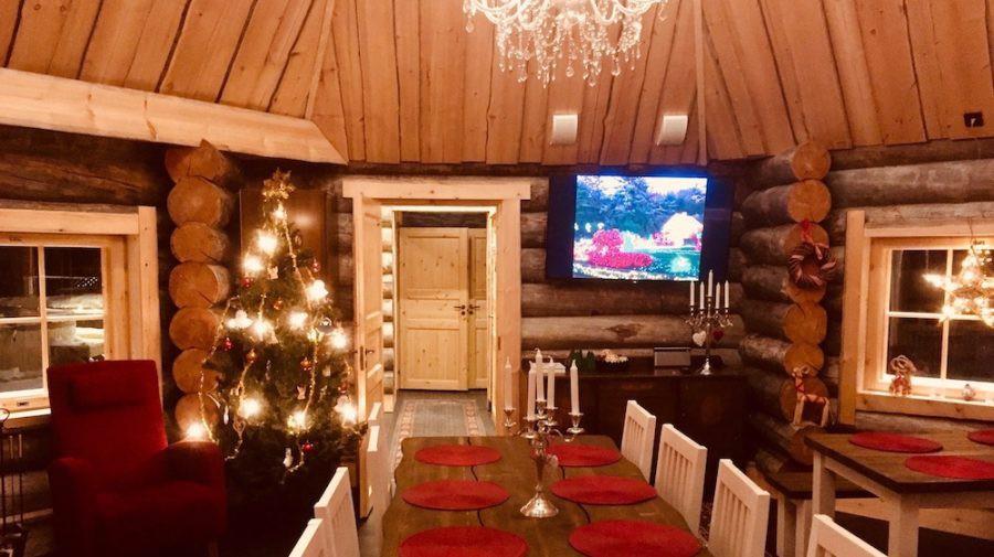 happy-fox-log-sauna-and-snack-winter-dinner-room-rovaniemi-lapland-finland-900x505