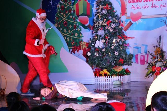 """Có nên thuê """"dịch vụ ông già Noel """" tặng quà cho con trẻ? - Ảnh 2."""