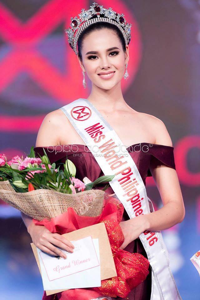 Sự trùng lặp khó tin Miss Universe 2018: Tân Hoa hậu và màn đăng quang cách đây gần 30 năm trước - Ảnh 2.