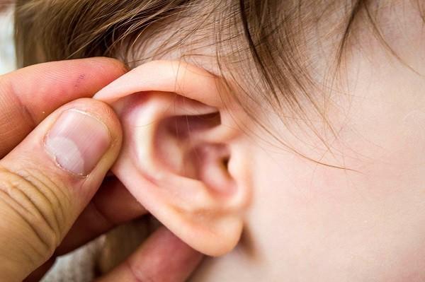 Viêm tai giữa cơn ác mộng của cha mẹ có con nhỏ: 3 sai lầm khiến bệnh càng thêm nặng - Ảnh 2.
