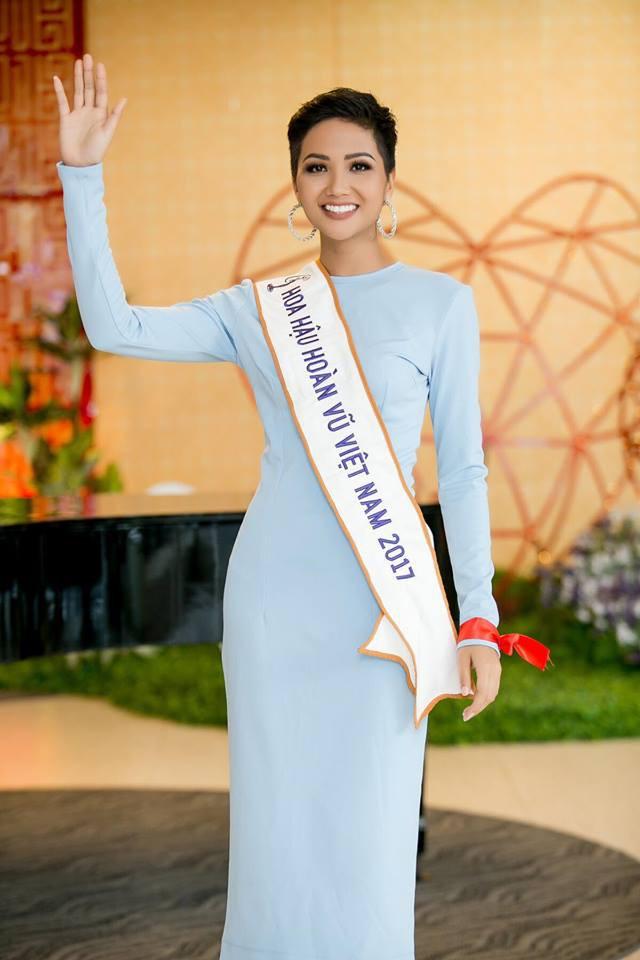 Cô gái Ê Đê nghèo từng lên thành phố làm osin đã ngoạn mục lọt Top 5 Miss Universe 2018 như thế nào? - Ảnh 8.