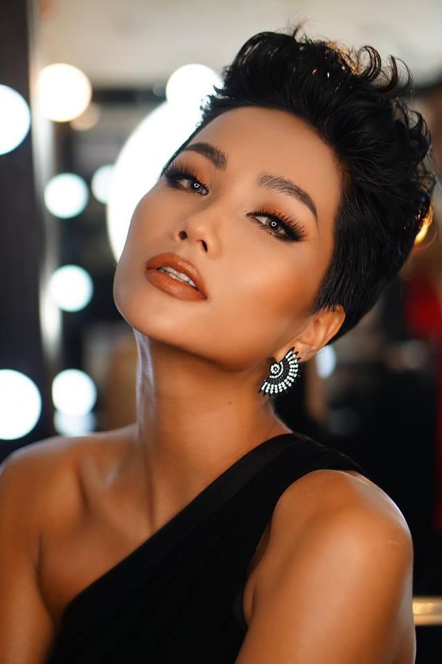 Cô gái Ê Đê nghèo từng lên thành phố làm osin đã ngoạn mục lọt Top 5 Miss Universe 2018 như thế nào? - Ảnh 7.