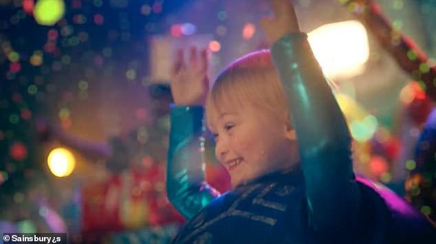 Bé trai 5 tuổi mắc hội chứng Down bất ngờ gây sốt cộng đồng khi trở thành một người mẫu nhí nổi tiếng và đắt show - Ảnh 1.