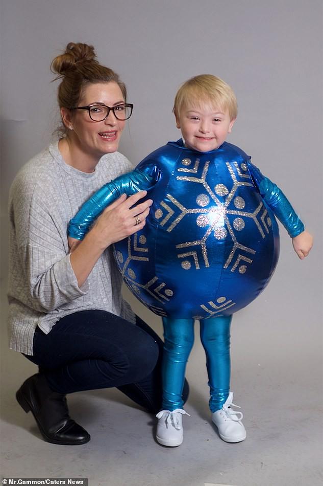 Bé trai 5 tuổi mắc hội chứng Down bất ngờ gây sốt cộng đồng khi trở thành một người mẫu nhí nổi tiếng và đắt show - Ảnh 4.