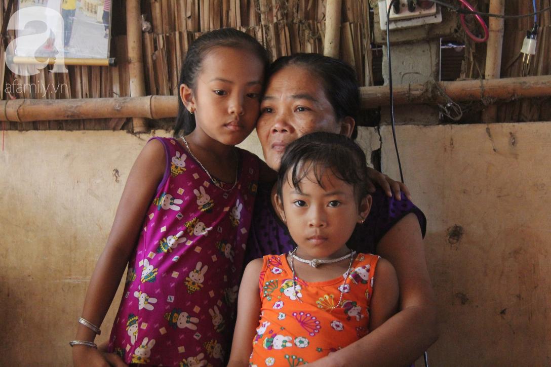 Mẹ câm điếc rồi mất, hai bé gái 6 và 9 tuổi đã được mọi người giúp đỡ cho đi học tiếp - Ảnh 10.