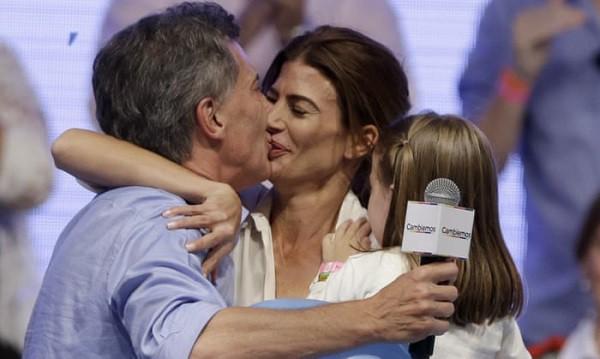 Ông chồng Tổng thống tiết lộ lý do nghiện nặng cô vợ đã qua một đời chồng và làm mẹ đơn thân - Ảnh 2.