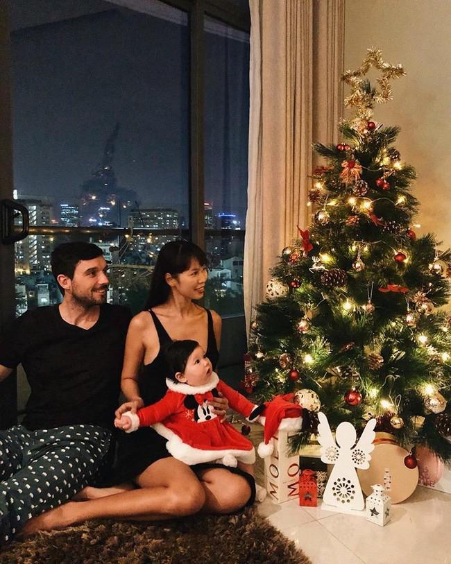 Ngắm loạt nhóc tỳ nhà sao Việt cực dễ thương trong loạt ảnh Giáng sinh, bất ngờ nhất là cô tiểu thư này - Ảnh 3.