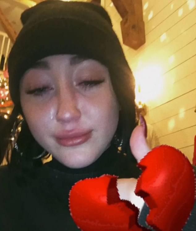 Choáng trước khung cảnh siêu sang trọng trong biệt thự 135 tỷ đồng mà Miley và Liam được đồn tổ chức đám cưới - Ảnh 11.