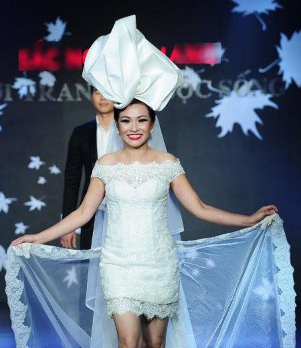 Phương Thanh khiến fan hoang mang khi công bố đám cưới vào ngày 30/12, giấu kín danh tính chú rể - Ảnh 2.