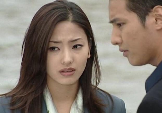 Won Bin và Han Chae Young: Tình đẹp tan vỡ vì chàng không đáng mặt nam nhi, chẳng dám công khai đến lúc chia tay cũng chưa từng nhắc đến - Ảnh 2.