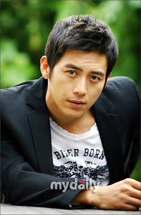 Go Soo: Nam thần ngày nào giờ đã là ông bố 3 con, yêu vợ chiều con nhất làng giải trí Hàn - Ảnh 5.