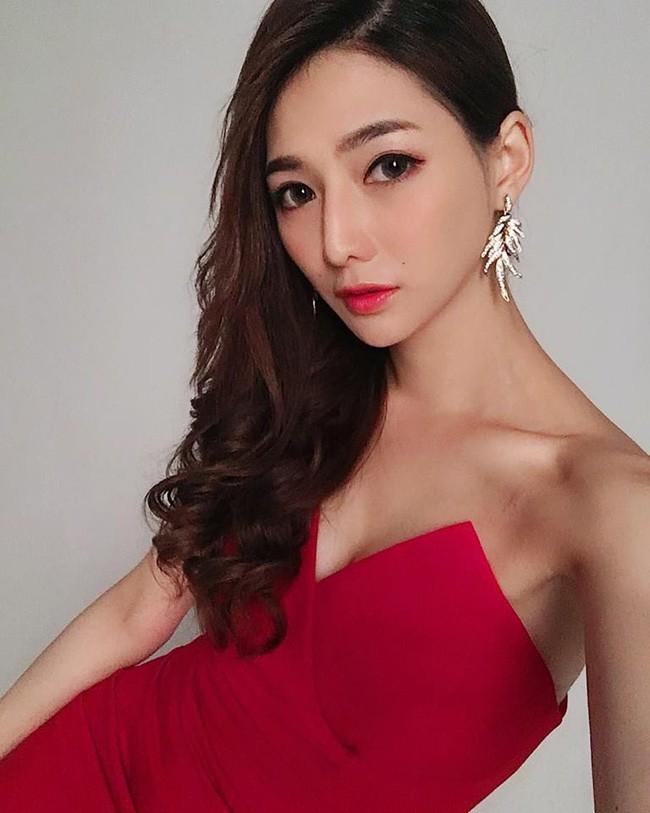 Điều ít biết về nữ thần bán cá Đài Loan: Tốt nghiệp điều dưỡng, làm ở bệnh viện 4 năm trước khi sang nghề mẫu - Ảnh 9.