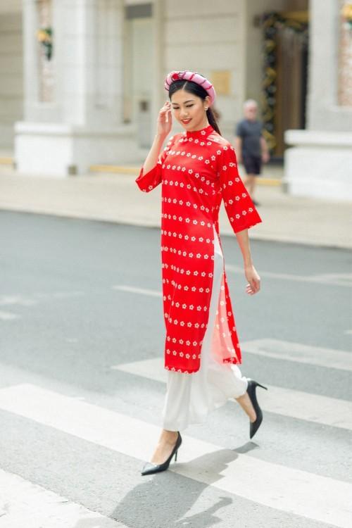 Bật mí cho 'nàng điệu' 5 kiểu áo dài 'thần thánh' vừa đẹp lại vừa thoải mái diện Tết - Ảnh 4.