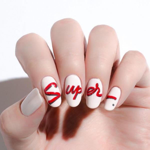 22 mẫu nail đỏ 'vừa đẹp vừa sang' cho nàng tỏa sáng trong dịp Tết Mậu Tuất 2018 - Ảnh 2.