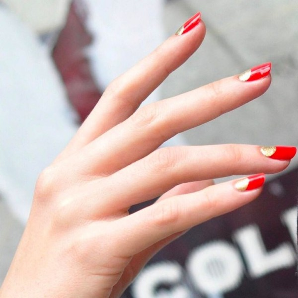 22 mẫu nail đỏ 'vừa đẹp vừa sang' cho nàng tỏa sáng trong dịp Tết Mậu Tuất 2018 - Ảnh 12.