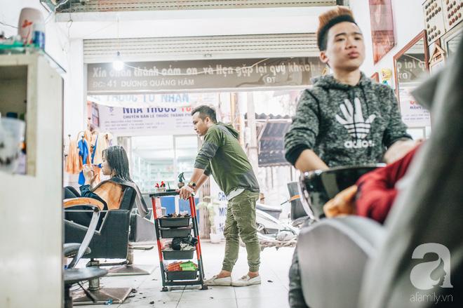 Ngày 30 tháng Chạp bận tối mắt ở một tiệm tóc Hà Nội, nghe bà chủ trải lòng về nghề sang chảnh trên đầu thiên hạ - Ảnh 5.