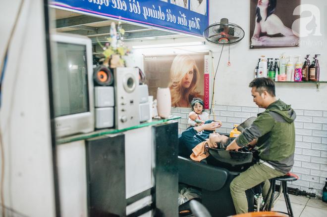 Ngày 30 tháng Chạp bận tối mắt ở một tiệm tóc Hà Nội, nghe bà chủ trải lòng về nghề sang chảnh trên đầu thiên hạ - Ảnh 9.
