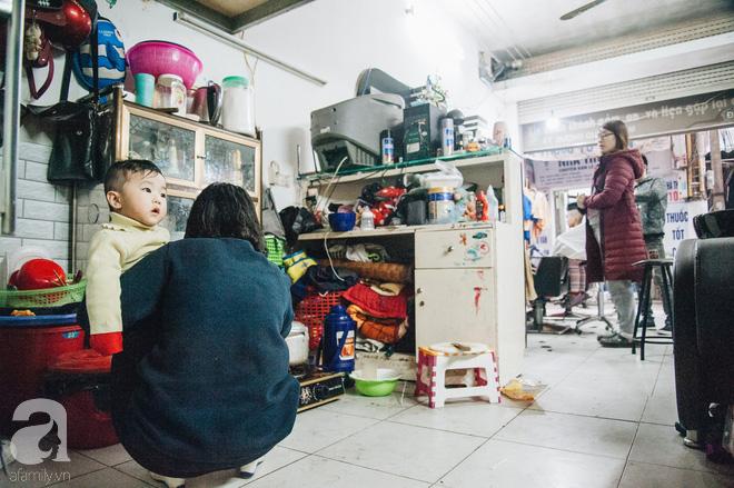 Ngày 30 tháng Chạp bận tối mắt ở một tiệm tóc Hà Nội, nghe bà chủ trải lòng về nghề sang chảnh trên đầu thiên hạ - Ảnh 15.