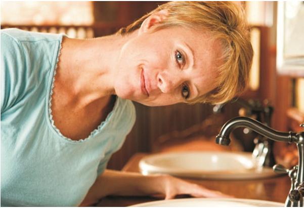6 bước rửa mũi giúp giảm triệu chứng cảm lạnh và dị ứng - Ảnh 1.