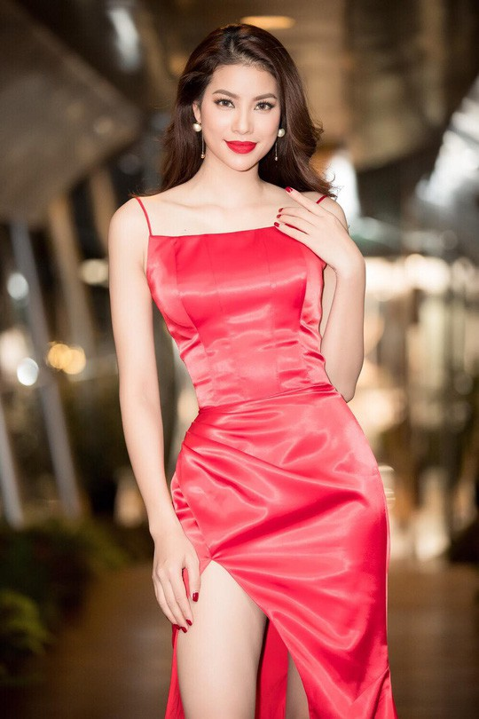 Hoa hậu Phạm Hương trải lòng về những góc khuất sau đăng quang - Ảnh 4.
