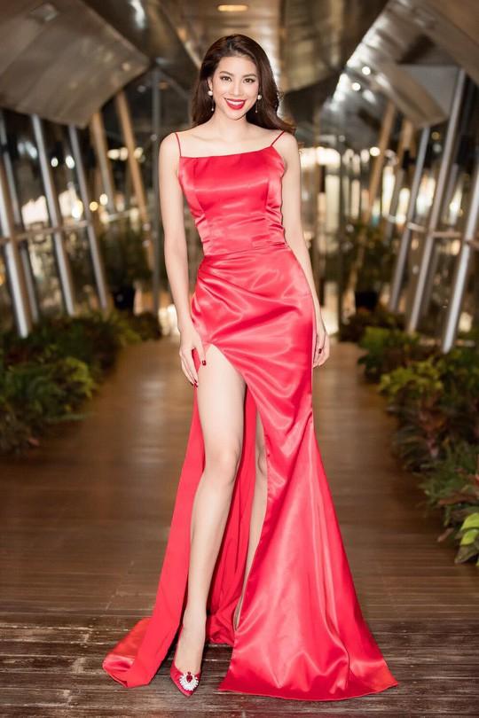 Hoa hậu Phạm Hương trải lòng về những góc khuất sau đăng quang - Ảnh 8.