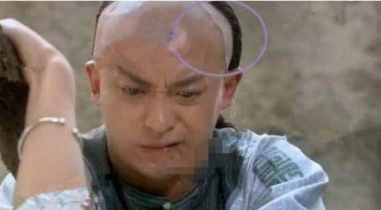 Phát lại sau 20 năm, Hoàn Châu cách cách bị khán giả soi ra nhiều sạn phim gây cười - Ảnh 14.