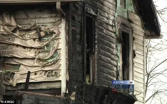 Nhà bốc cháy ngùn ngụt, mẹ ném con sơ sinh 12 ngày tuổi ra ngoài cửa sổ, cảnh tượng sau đó khiến người ta không khỏi xót xa - Ảnh 3.