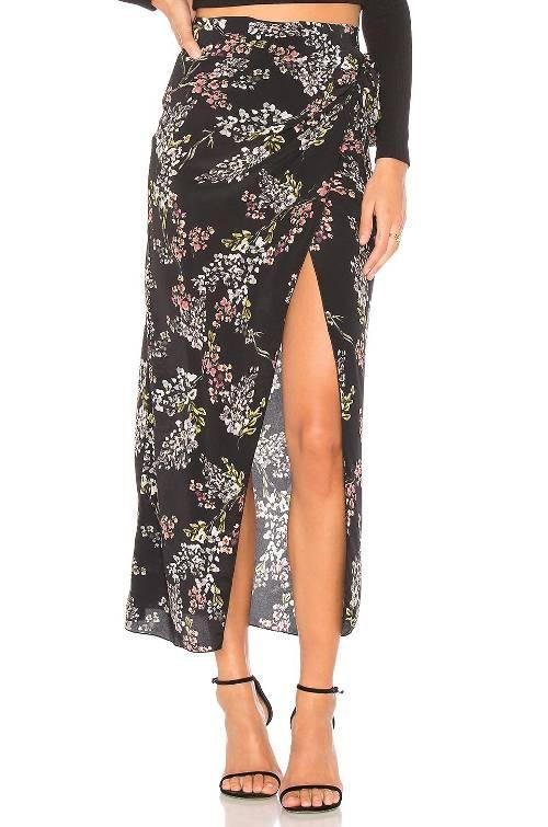 Váy xà-rông của người Chăm được 'lên đời', trở thành xu hướng hot trong mùa Xuân - Ảnh 7.