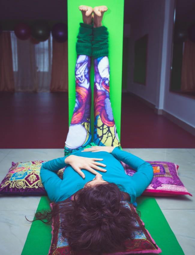 8 tư thế yoga giúp tăng khả năng sinh sản, chị em nào đang muốn có con đều nên tập thử - Ảnh 3.