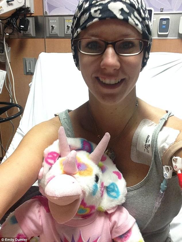 Bà mẹ 3 con này đã là người thứ 3 trên thế giới trị dứt điểm ung thư hạch bạch huyết - Ảnh 2.