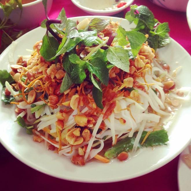 8 đặc sản ăn một lần là nhớ mãi của Lạng Sơn, 1 món thường được chị em săn lùng ăn Tết - Ảnh 9.