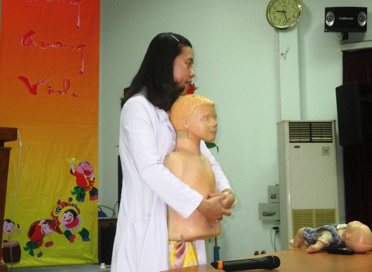 Tai nạn trẻ em: Khó cứu vì không được sơ cứu - Ảnh 1.