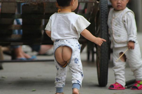 Cách cư xử sai lầm của cha mẹ vô tình khiến trẻ có suy nghĩ lệch lạc về kiến thức giới tính - Ảnh 3.
