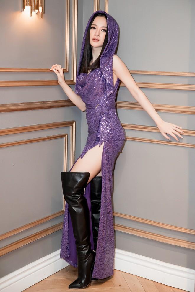 Tím rịm lại sexy, nhưng quan trọng là bạn có thấy bộ cánh này của Angela Phương Trinh đẹp không? - Ảnh 3.