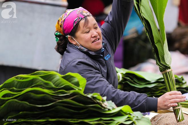Chợ lá dong lâu năm nhộn nhịp giữa lòng Hà Nội những ngày cận Tết - Ảnh 4.