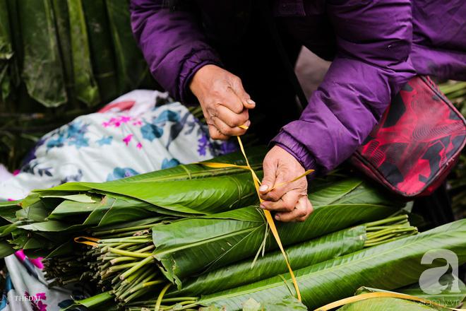 Chợ lá dong lâu năm nhộn nhịp giữa lòng Hà Nội những ngày cận Tết - Ảnh 8.