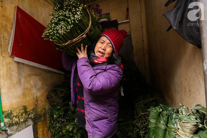 Chợ lá dong lâu năm nhộn nhịp giữa lòng Hà Nội những ngày cận Tết - Ảnh 9.
