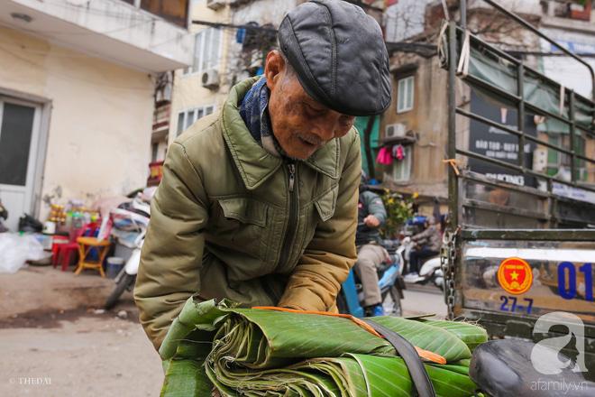 Chợ lá dong lâu năm nhộn nhịp giữa lòng Hà Nội những ngày cận Tết - Ảnh 10.