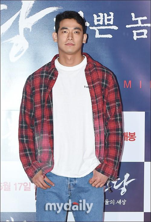 Nóng: Chồng nữ hoàng nhạc phim Baek Ji Young bị bắt khẩn cấp vì sử dụng ma túy - Ảnh 2.