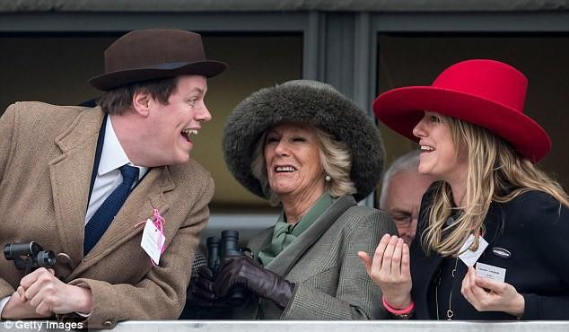 Chẳng mấy mặn mà với mẹ kế nhưng mối quan hệ giữa hai hoàng tử Anh với con bà lại khiến nhiều người bất ngờ - Ảnh 4.