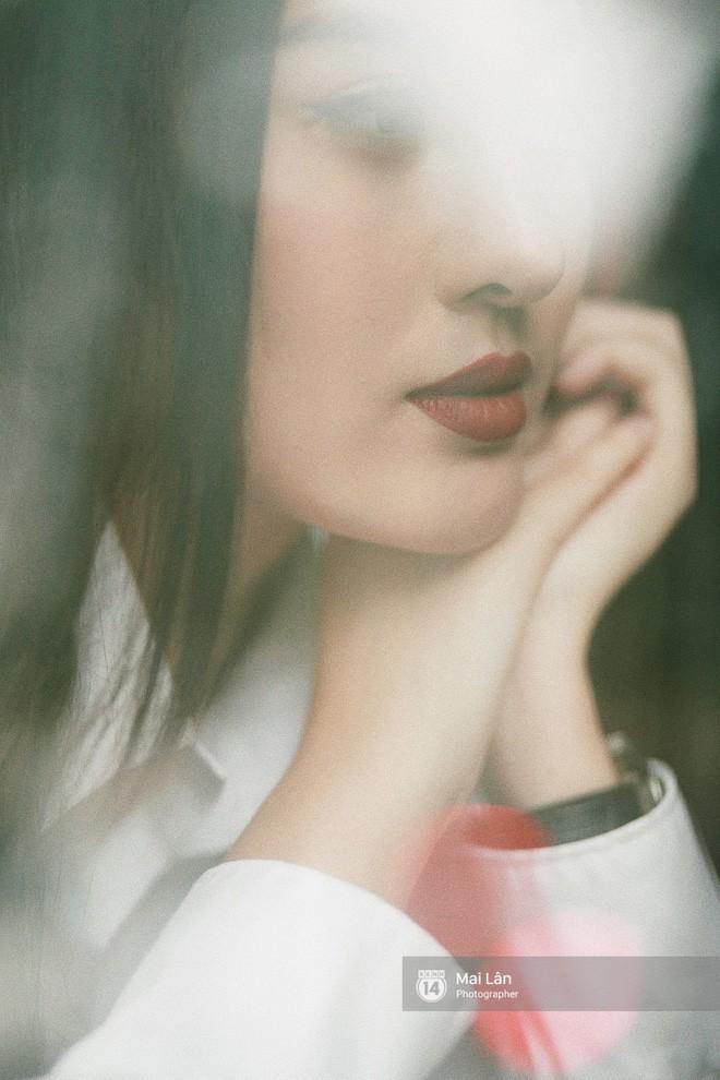 Hà Lade lần đầu chia sẻ: Ai cũng nói cằm nhìn bình thường, tự ngắm trong gương cũng chẳng có gì kỳ quặc - Ảnh 15.