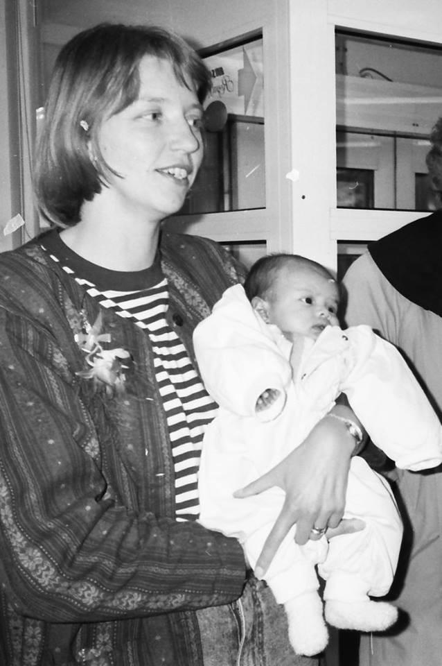 Được cho đi làm con nuôi người Thụy Điển từ khi vài ngày tuổi, cô gái Việt trở lại Hà Nội để tìm mẹ ruột - Ảnh 7.