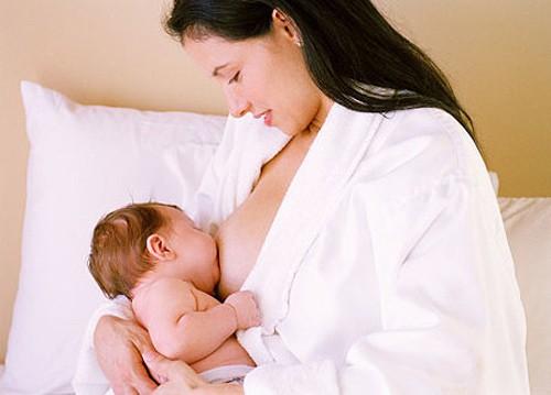 Cách ăn uống sau sinh để mẹ đẹp, con khỏe - Ảnh 1.