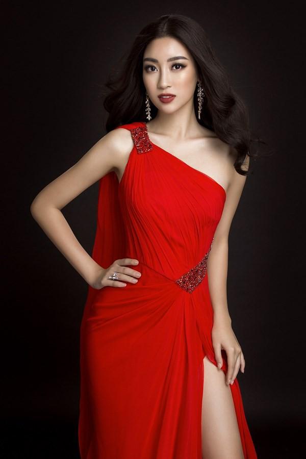 Cùng diện váy đỏ gợi cảm, Dương Tú Anh đẹp trong trẻo trong khi Đỗ Mỹ Linh lại lộng lẫy gợi cảm - Ảnh 9.