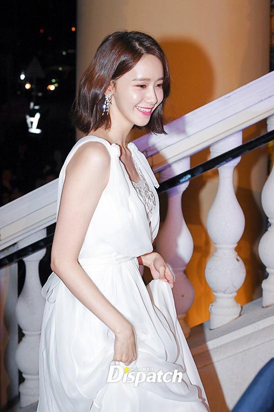 Lộ mặt dài, cơ thể gầy đến mức lộ xương ngực, Yoona vẫn trở thành nữ thần của thảm đỏ hot nhất hôm nay! - Ảnh 4.