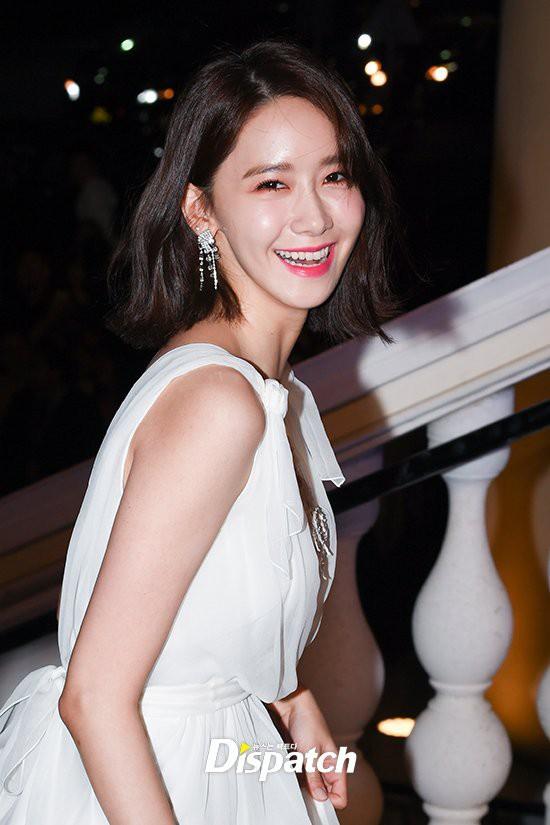 Lộ mặt dài, cơ thể gầy đến mức lộ xương ngực, Yoona vẫn trở thành nữ thần của thảm đỏ hot nhất hôm nay! - Ảnh 5.